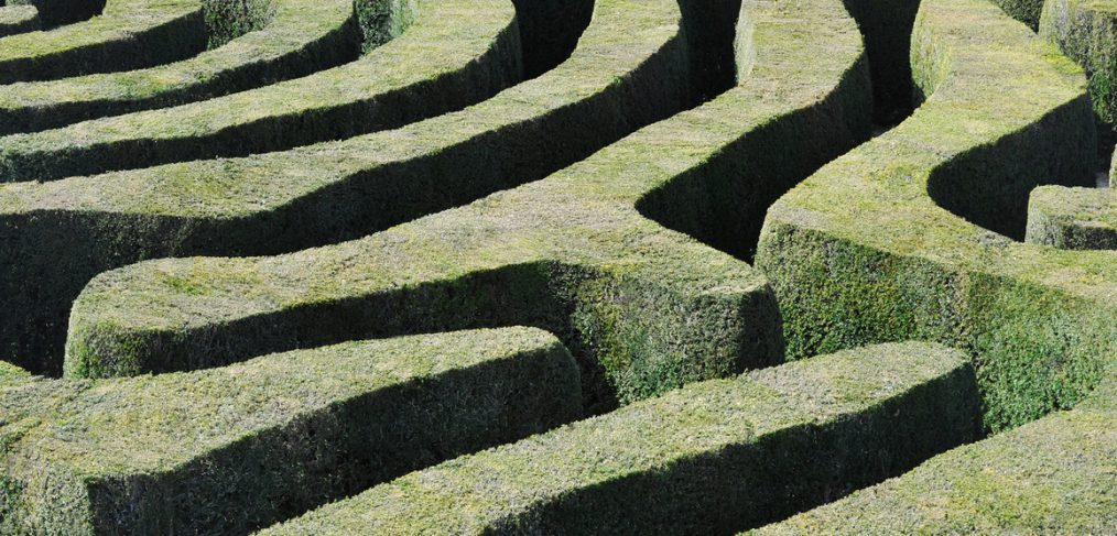 Obstacles. Amazing Maze.